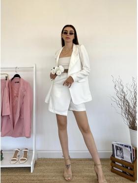 Beyaz Şortlu Ceket Takım