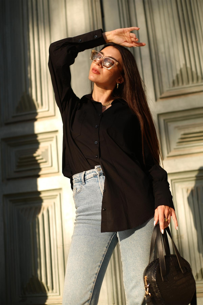 Siyah Cepli Gömlek
